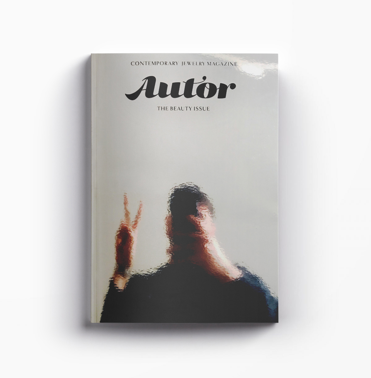 AUTOR Magazine is an annual publication which focuses on contemporary jewelry and on the way we choose to decorate our bodies